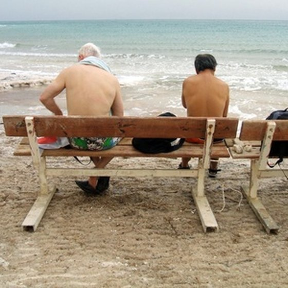 Tourists flock to the sea for their health.