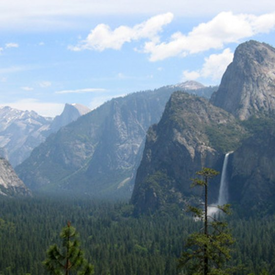 Yosemite features majestic peaks and valleys.