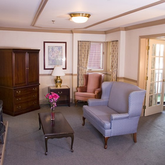Cleveland-area hotel feature various suite rooms for families