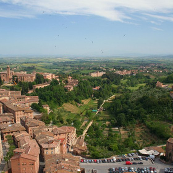The hill towns of Tuscany are among its most attractive features.