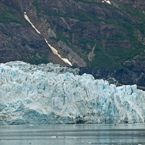Explore the Glacier Bay National Park.