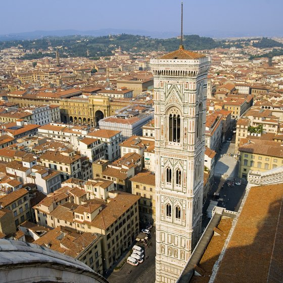 Florence's main sites all lie within easy walking distance in the historic center.