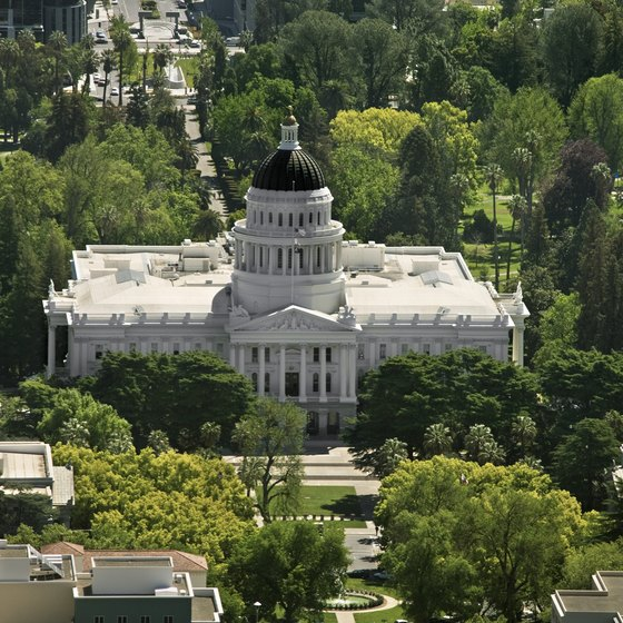 Families can visit the California state capital building in Sacramento.