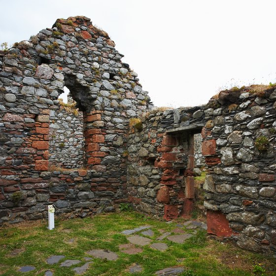 Ruins of cottages and castles provide visitors with glimpses into the past.