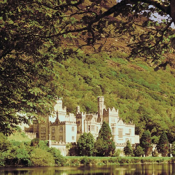 Spend a week touring the castles, countryside and cities of Ireland.