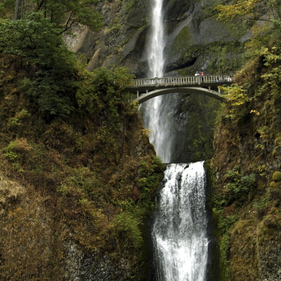The popular Multnomah Falls gets 2.5 million visitors annually. (see Ref #2)