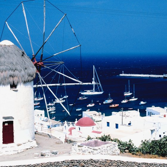 Punctuated by traditional whitewashed village and surrounded by the blue Mediterranean Sea, the Greek Islands make a beautiful backdrop to a sailing vacation.
