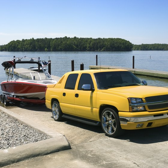Texas towing laws ensure your boats, passengers and trailers stay safe.
