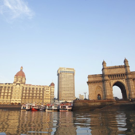 The Taj Mahal Palace hotel and the Gateway to India arch are 2 of Mumbai's most recognizable landmarks.