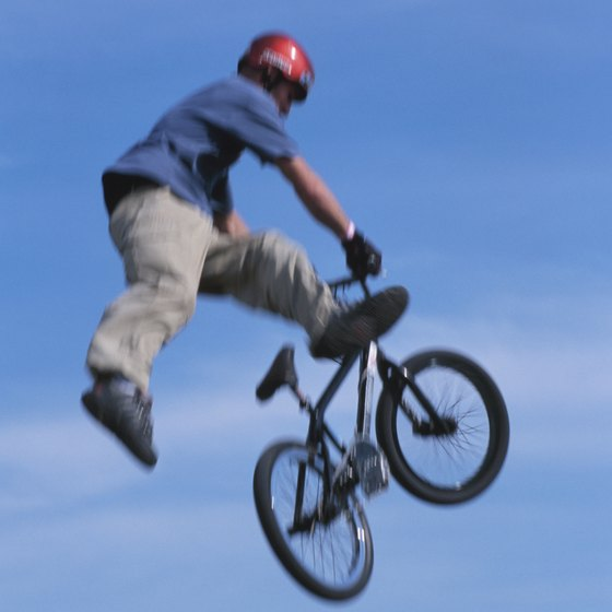 Los Lunas has a skate park that accommodates BMX bikers.