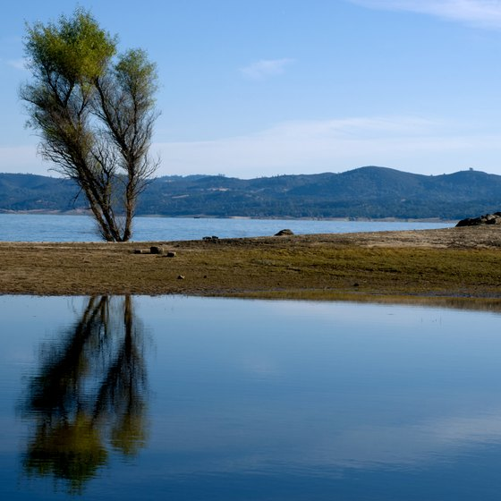 Folsom Lake has RV sites 10 miles east of Gold River.