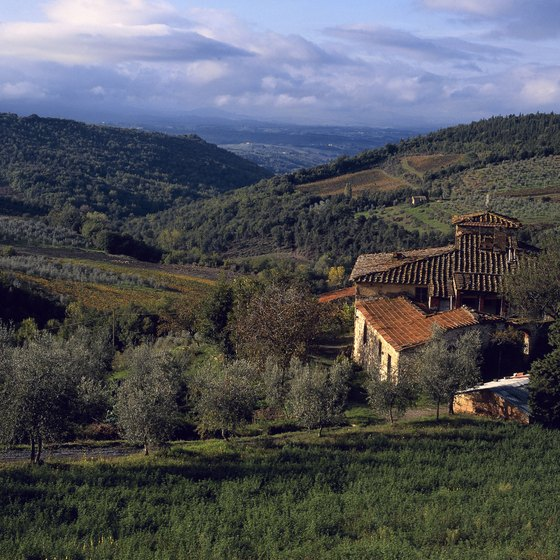Tuscany is among many rural regions popular for guided walking tours.