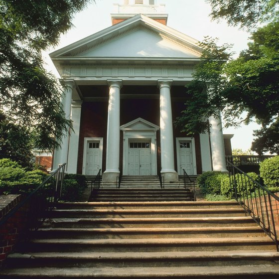 Charlottesville offers attractions for history lovers and art aficionados.