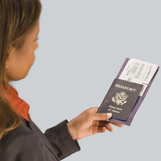 U.S. citizens only need a passport and a return ticket to travel to Ecuador.