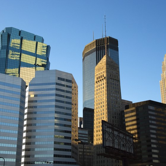Minneapolis remains just one of many Minnesota-based cities featuring hotels with whirlpool suites.
