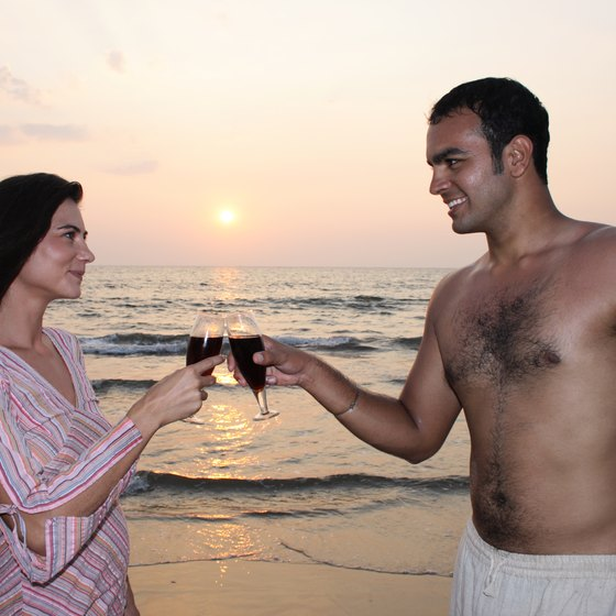 Honeymoon at the beach in an all-inclusive resort that covers expenses with one fee.