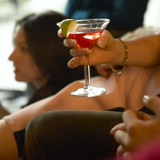 The nightlife of Palo Alto offers cocktails, dancing and dining opportunities.
