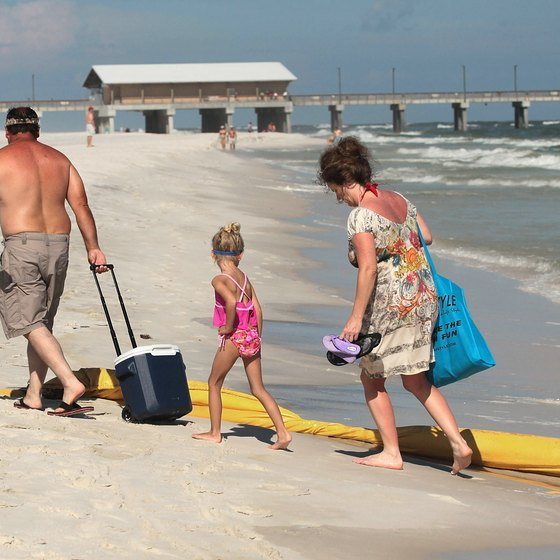 Alabama's Gulf Coast has kid-friendly beach areas and other free activities the whole family can enjoy.