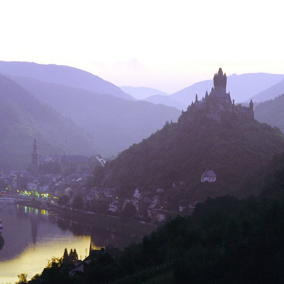 Steep hills surround the Rhine River Valley.
