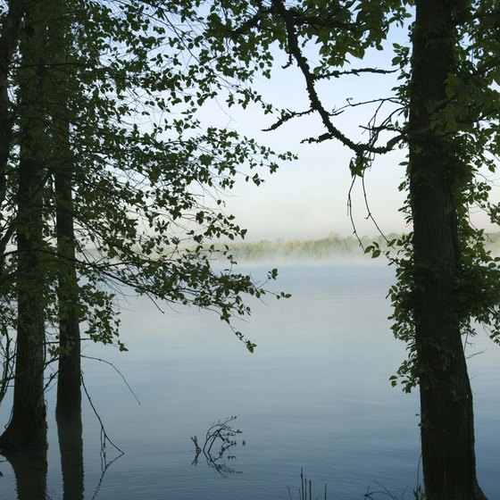Tennessee's lakes provide secluded spots for kayaking.