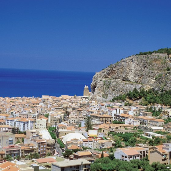Southern European bicycle tours take in landscapes such as Sicily.