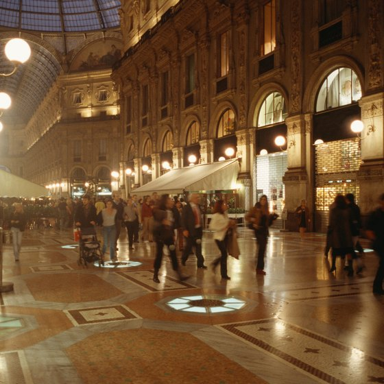 Prepare a suitcase for fashion capitals like Milan.