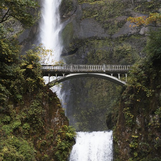 Multnomah Falls is one of the many scenic waterfalls that can be spotted on the Oregon side of the river.