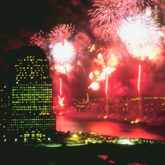 There are several good hotels for viewing the New York City Independence Day fireworks.