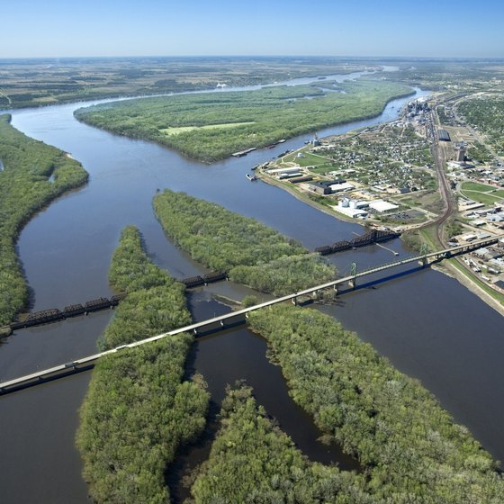 The Mississippi passes through 10 states on its way to the Gulf of Mexico.