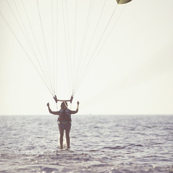 Learning how to land makes your parasailing adventure go smoothly.