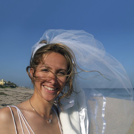 Exchanging vows on a Fort Lauderdale beach can be a formal or informal occasion.
