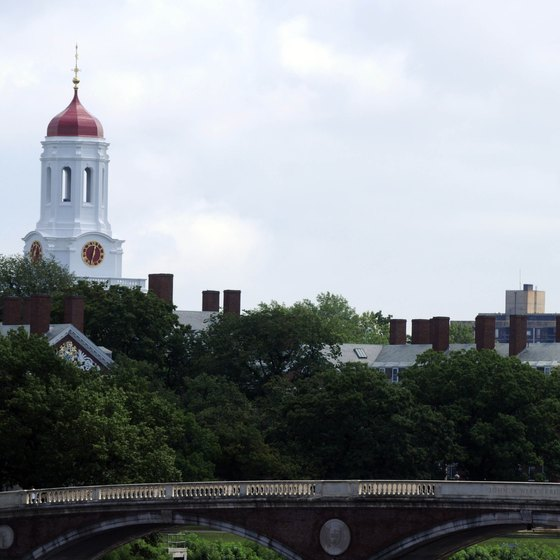 A diverse selection of hotels is on or near the Harvard University campus.