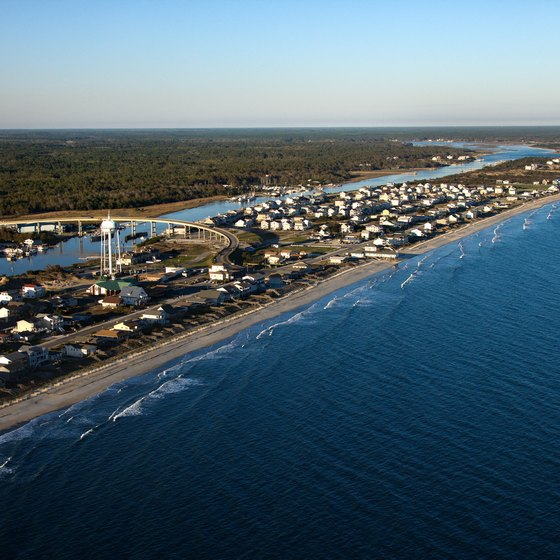 There are many tourist options for visitors to the North Carolina coast.