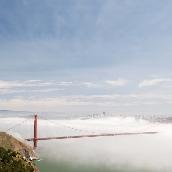 San Francisco is a romantic getaway for couples.