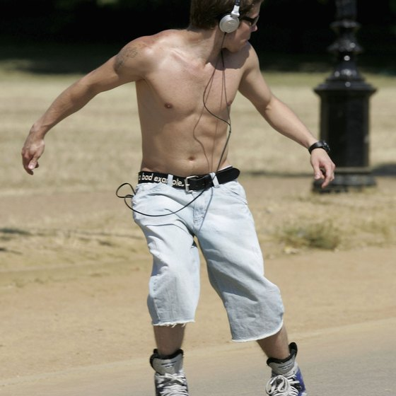 Join locals in rollerblading through Hyde Park.