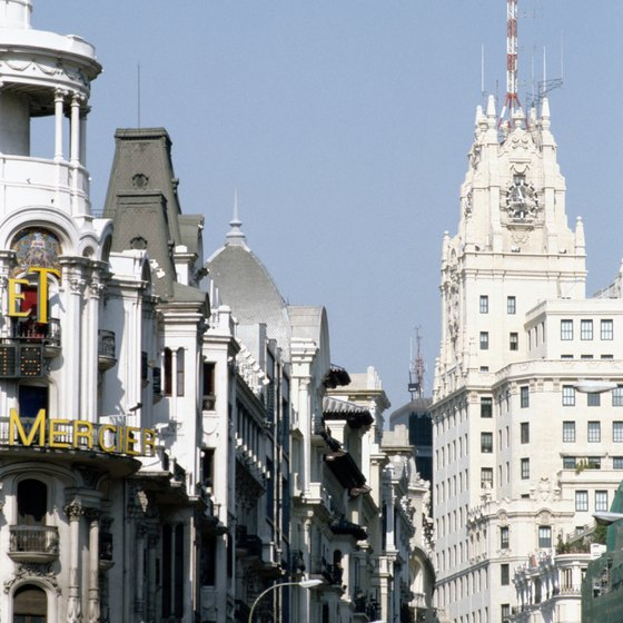 A late workday and sultry daytime temperatures are common among all-night cities; one such is Madrid.