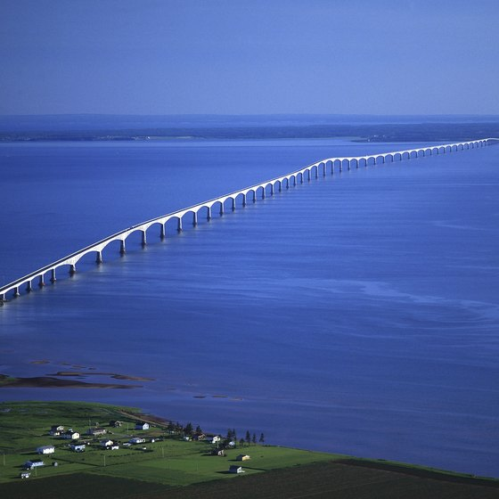 U.S. 1, the Overseas Highway, connects the Florida Keys to the mainland.