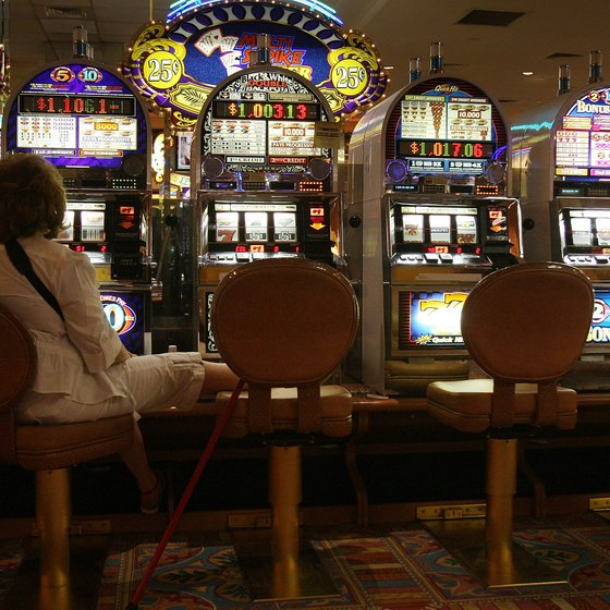 Several upscale lounges in South Jersey are close to Atlantic City casinos.
