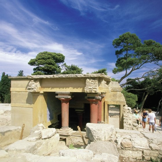 Knossos sits in a strong defensive position atop a hill, like many other ancient Greek palaces.
