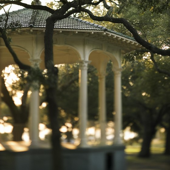 Parks, plazas and cobblestone streets define Charleston.