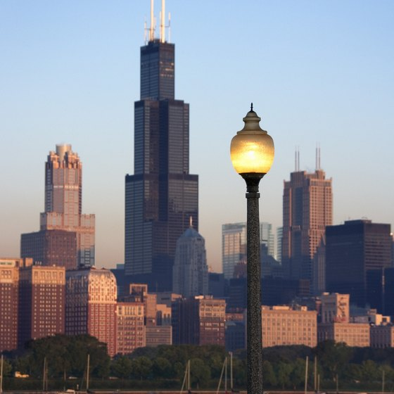 Many attractions are in close proximity to Chicago.