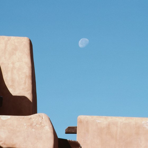 Get moonstruck and swoony in the dramatic Las Cruces desert.