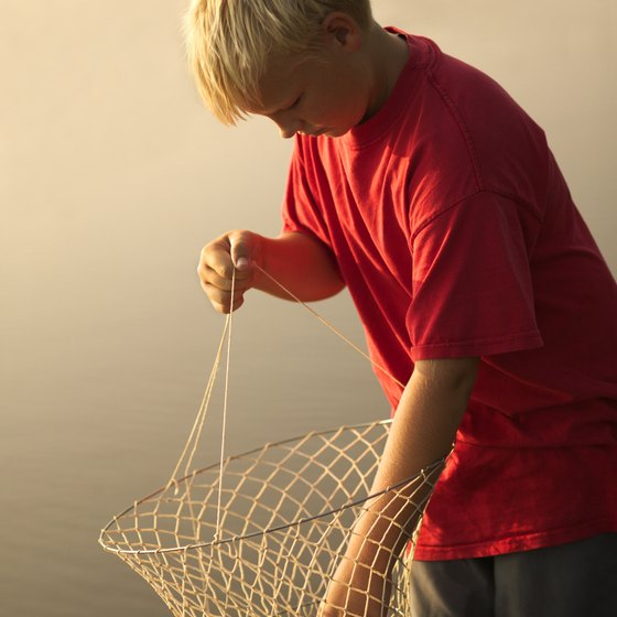 Georgia crabbing is a popular pastime for young travelers.