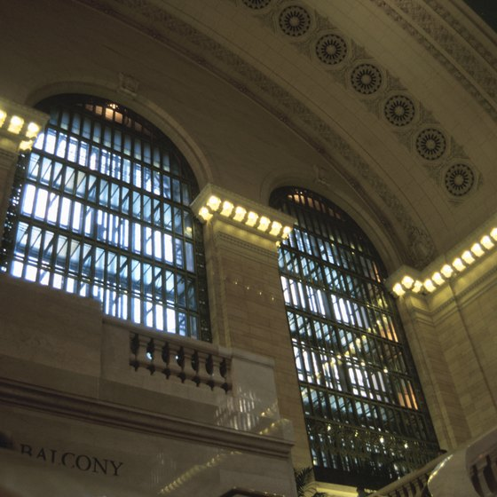 Grand Central Station has architecture worthy of photo ops.