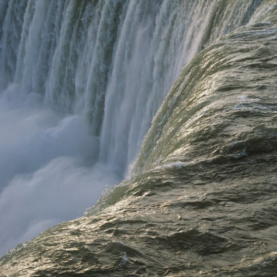 Niagara Falls is still a romantic setting for a honeymoon.
