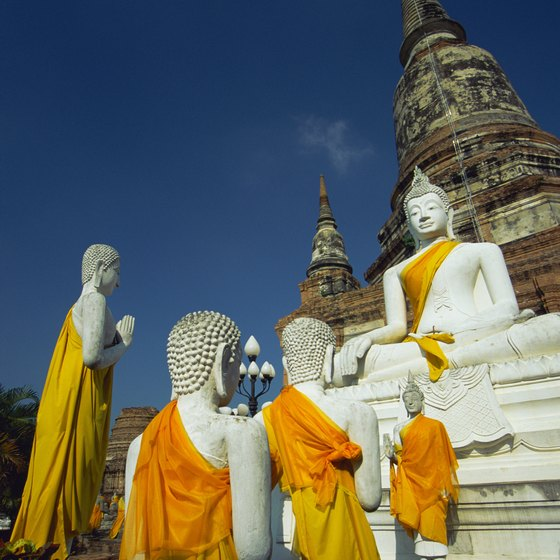 Bangkok has many Buddhist temples and is a good place to start a tour from Thailand to SIngapore.