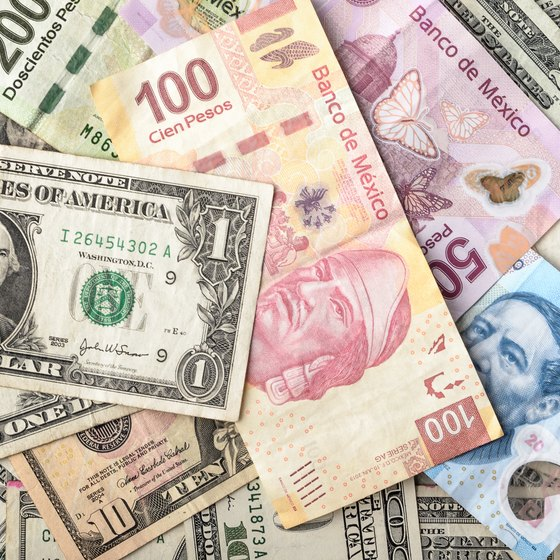 How to Convert United States Money into Pesos