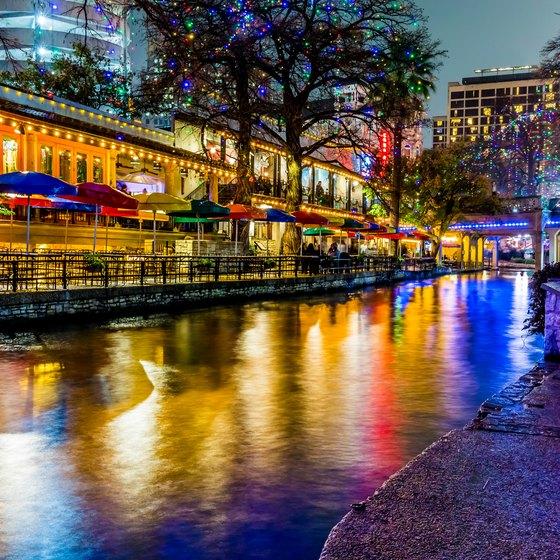 San Antonio Riverwalk Dinner Cruises Usa Today