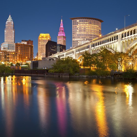 Riverboat Dining Cruises in Cleveland, Ohio
