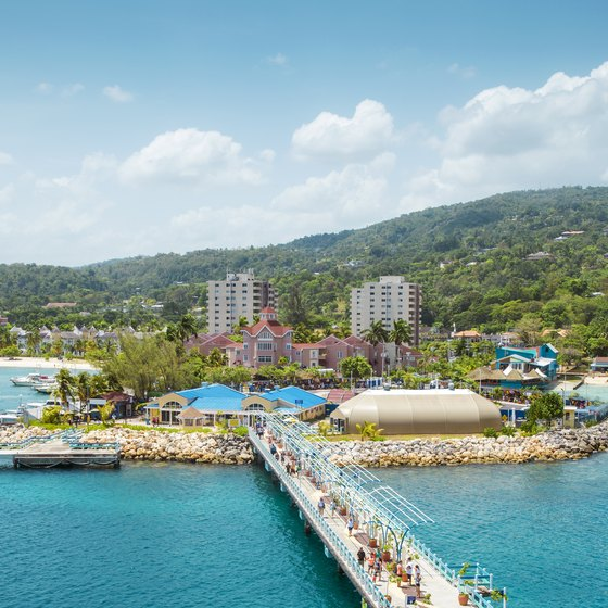 How Far Are the Beaches From the Cruise Ship Port in Ocho Rios, Jamaica?